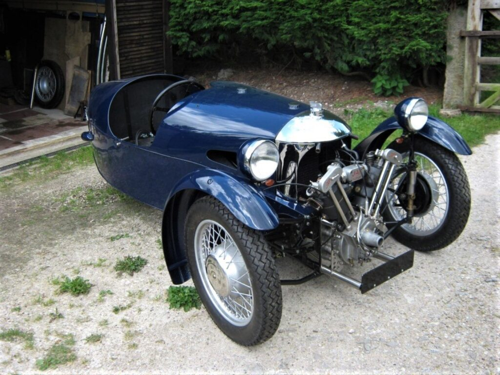 Blue three wheeler Morgan