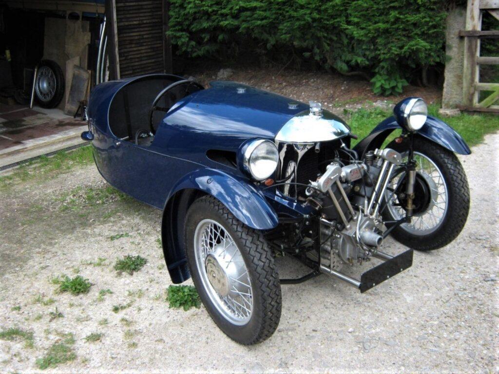 Blue three wheeler Morgan